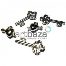 """Набор подвесок """"Ключи и элементы"""" серебристых для скрапбукинга, 2 - 3 см., 5 штук, REGINA"""
