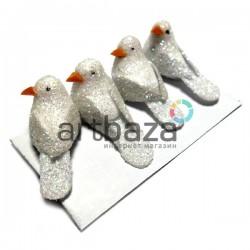 Набор декоративных птичек - голубей с блестками для декора, белых, 1.5 x 2.8 см., 4 штуки, REGINA