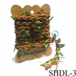 Шнур декоративный коричневый с вплетенными зелеными листьями, толщина - 2 см., длина - 2.5 м., REGINA